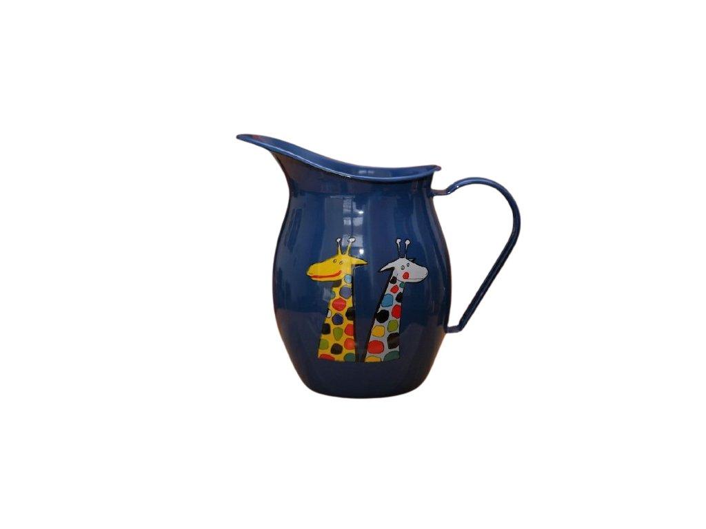 1194 pitcher with a giraffe