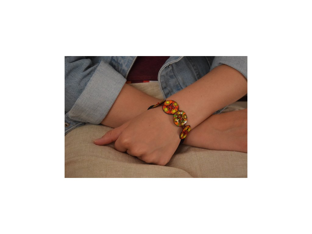 482 button bracelt