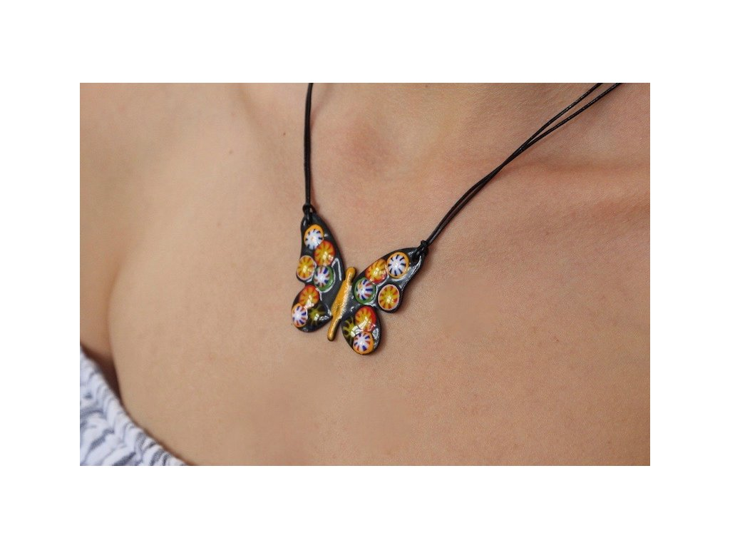 668 butterfly necklace