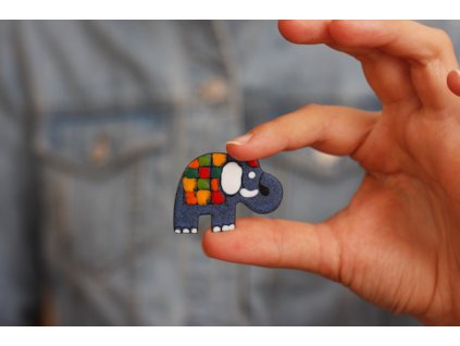 320 brooch elephant