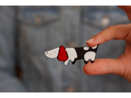 326 brooch dog