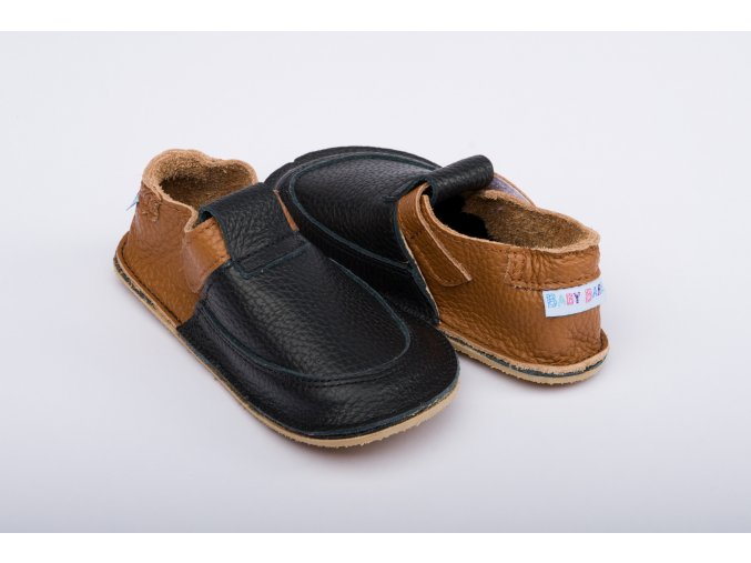 baby bare shoes outdoor wood