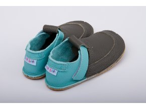 baby bare shoes outdoor foggy