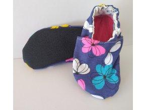 Capáčky bavlněné s protiskluzovou podrážkou fialové s květinami