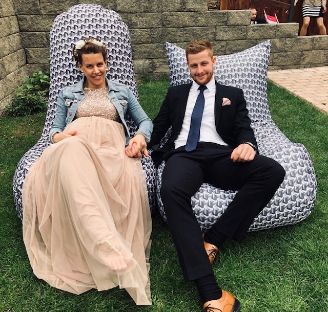 Rádi jsme našimi vaky zpříjemnili svatební den