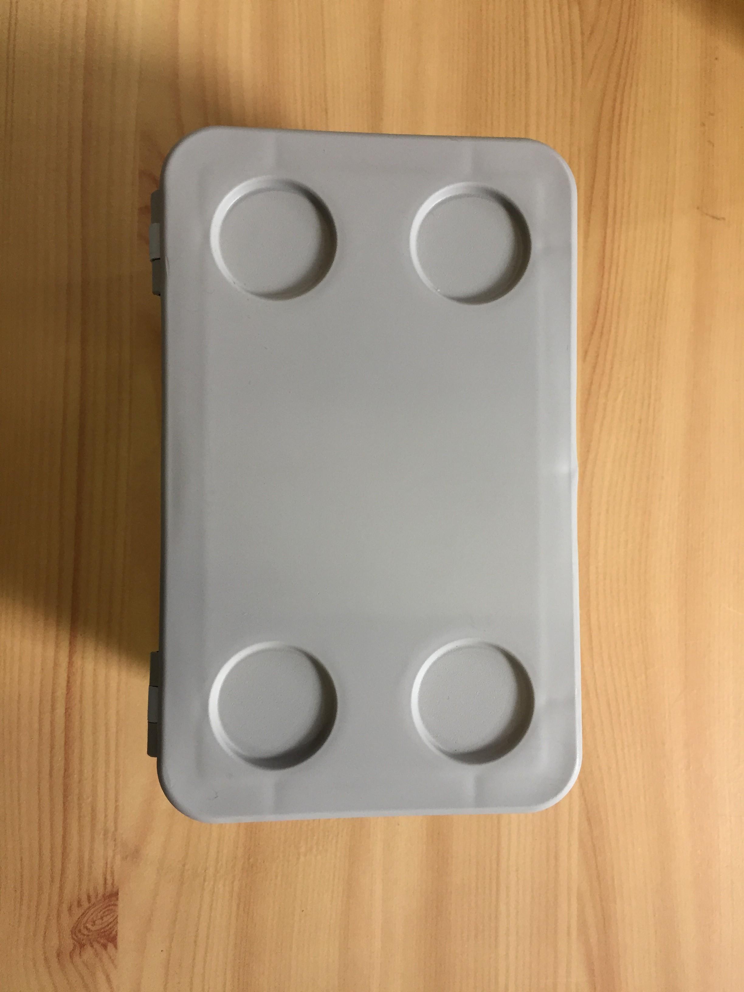 krabice plast