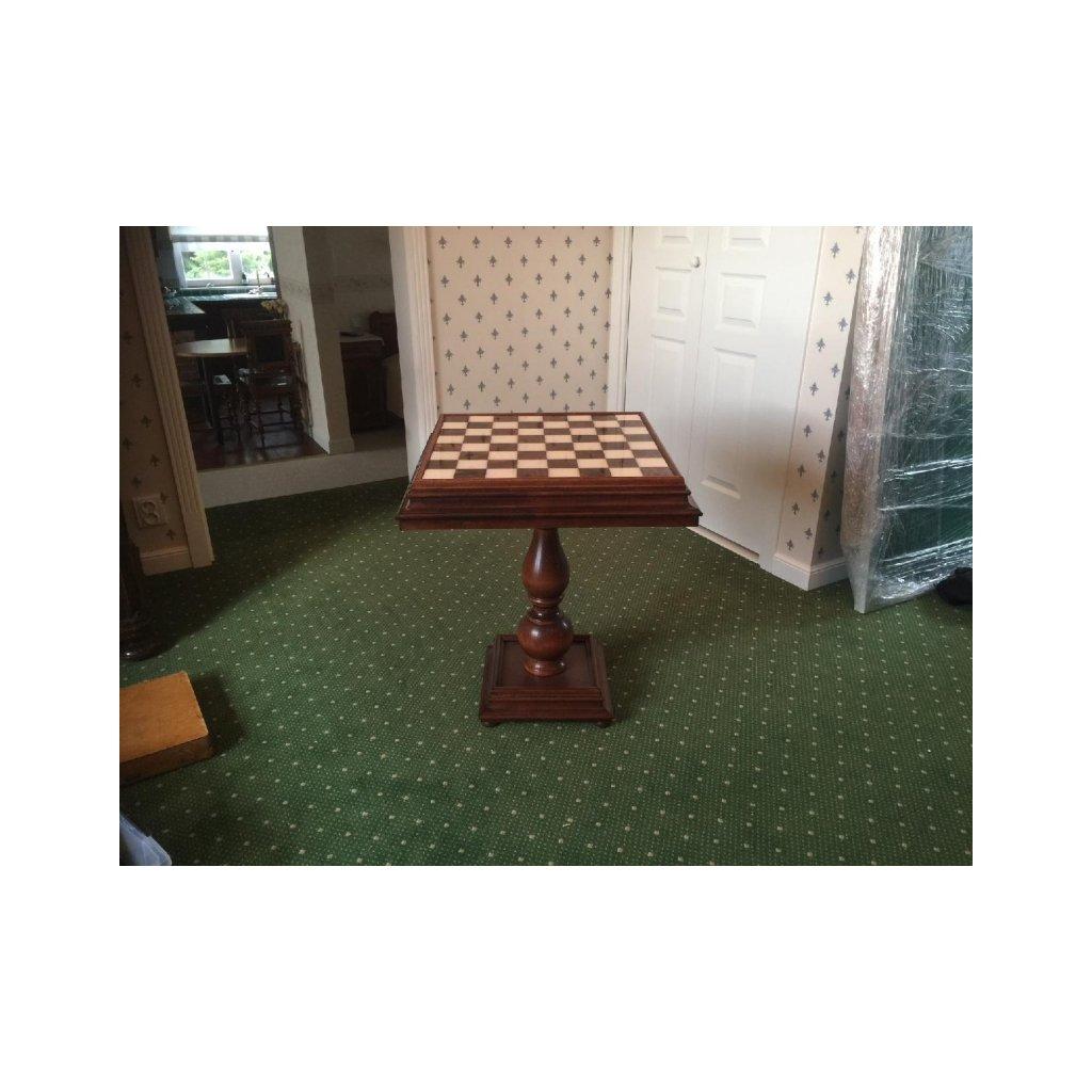 Šachový stolek Eva