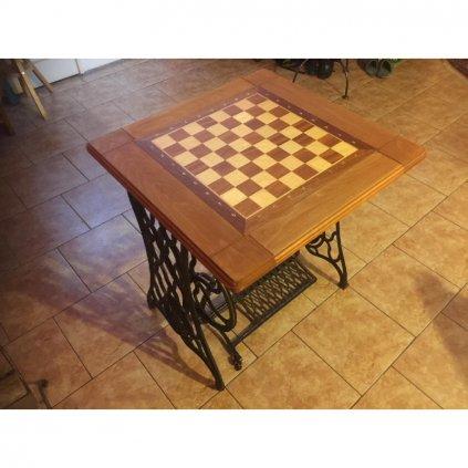 Pronájem šachového stolku 3 v 1 ( šachy, dáma , backgammon) / 24 hod
