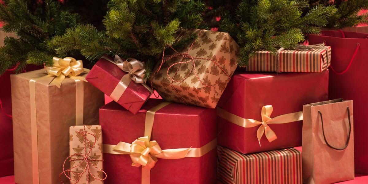 PRŮVODCE VÝBĚREM DÁRKŮ: 10 dárků, kterými uděláte radost každému