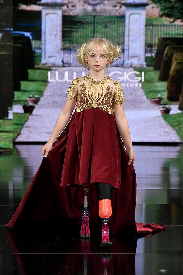 9-letnia-daisy-may-demetre-bez-nog-na-pokazach-528984-GALLERY_600