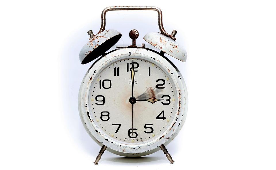 alarm-clock-2175382_960_720