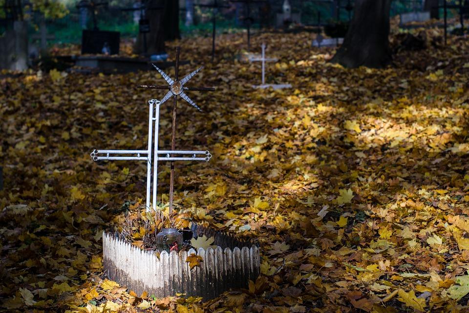 cemetery-2821281_960_720
