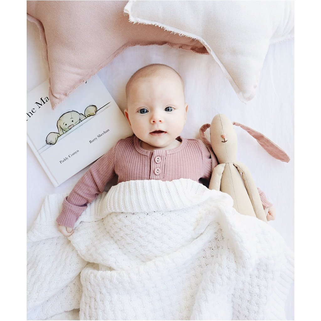 Pletená kojenecká deka bílá