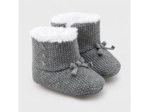 Mayoral Novorozenecké chlapecké capáčky  9329-049