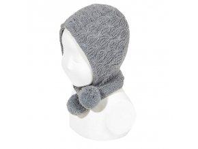 capota con tiras largas y borlones gris claro