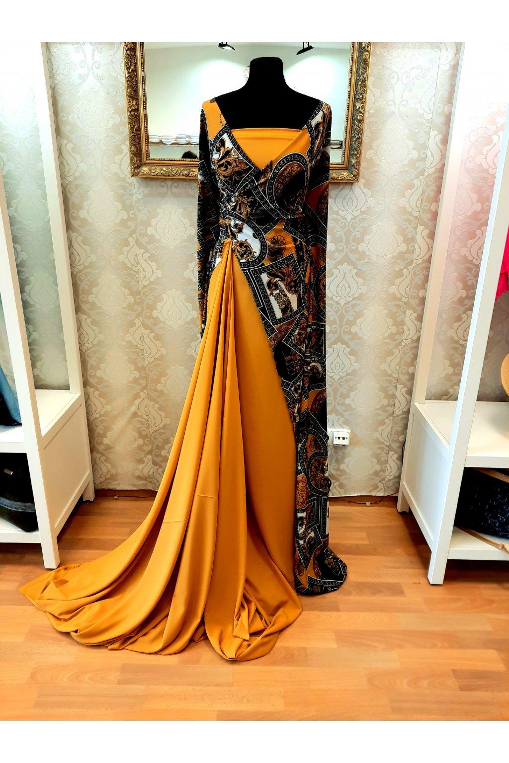 Hedvábí styl Versace