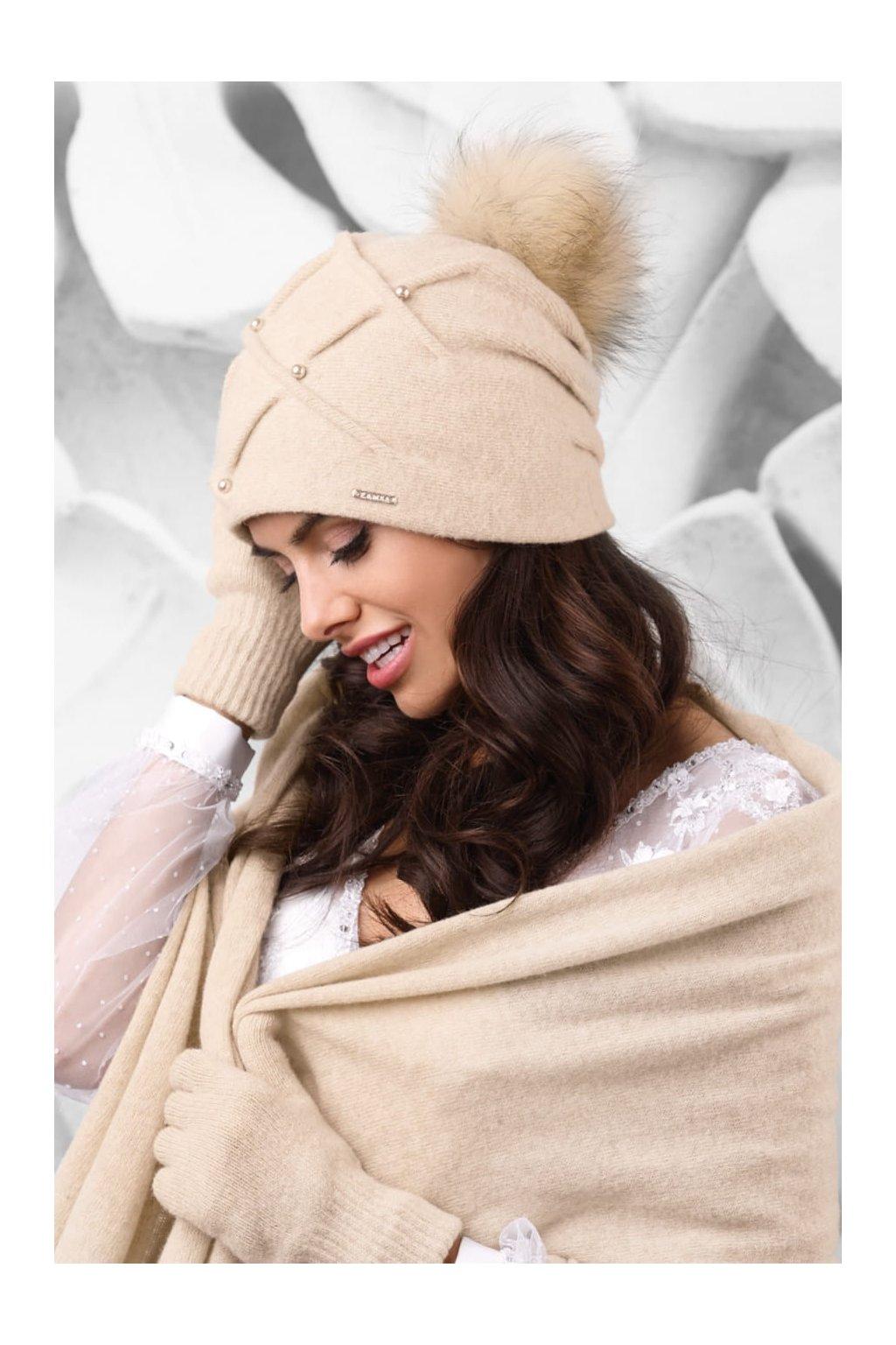 KAMEA MARSALA czapka damska z pomponem jasnobezowa