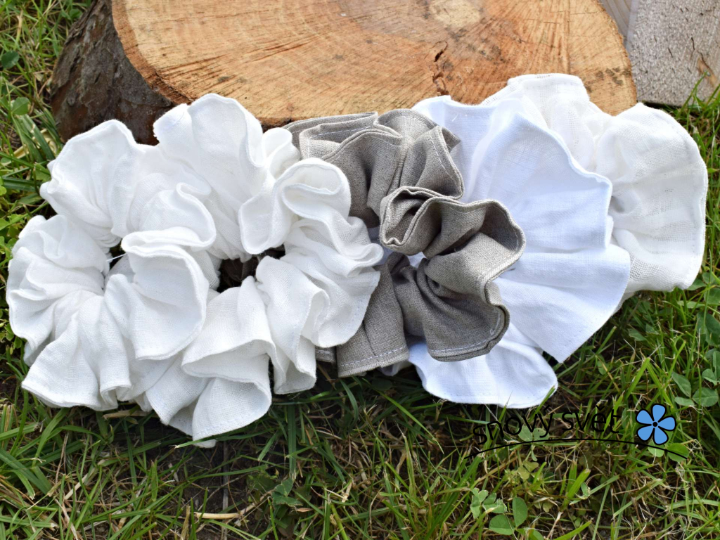 Lněná gumička Scrunchie bílá 5 cm
