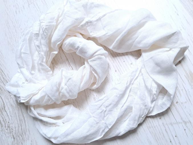 Šála bílá lněná