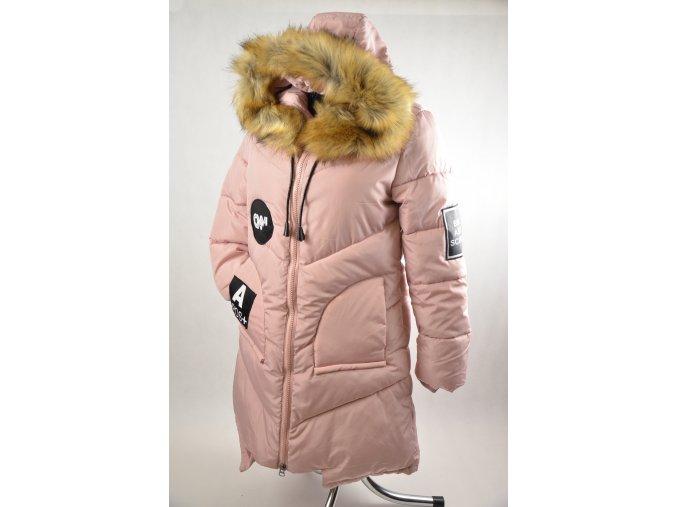 Světlá pudrová péřová bunda s kožíškem (Barva Světle růžová, Velikost XXL)