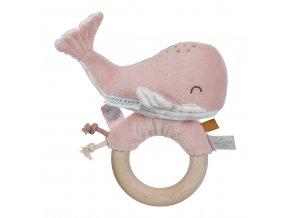 4812 Chrastící velryba na dřev.kroužku pink