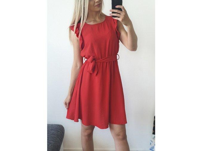 Elegantné červené volánikové šaty