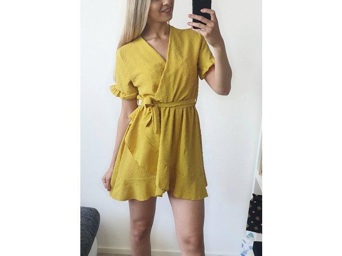 Žlté elegantné voľné šaty