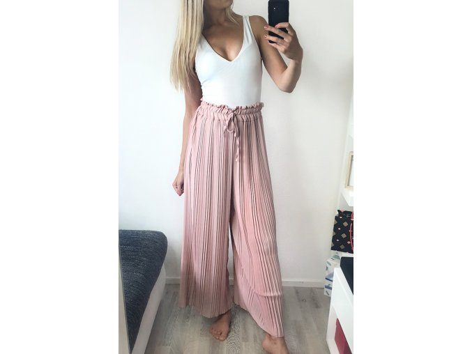 Púdrovo ružové voľné dlhé nohavice