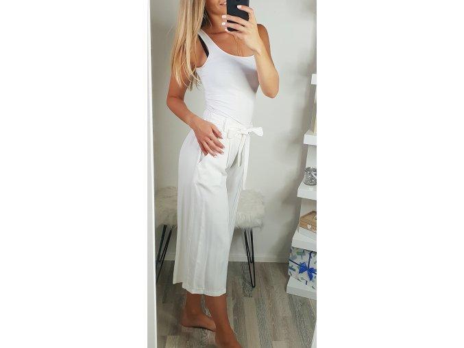 damske volne letne biele trojstvrtove nohavice