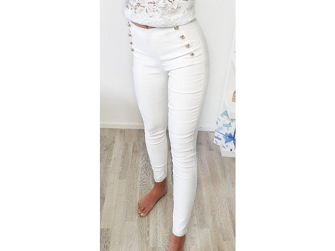 Biele elegantné nohavice so zlatými gombíkami