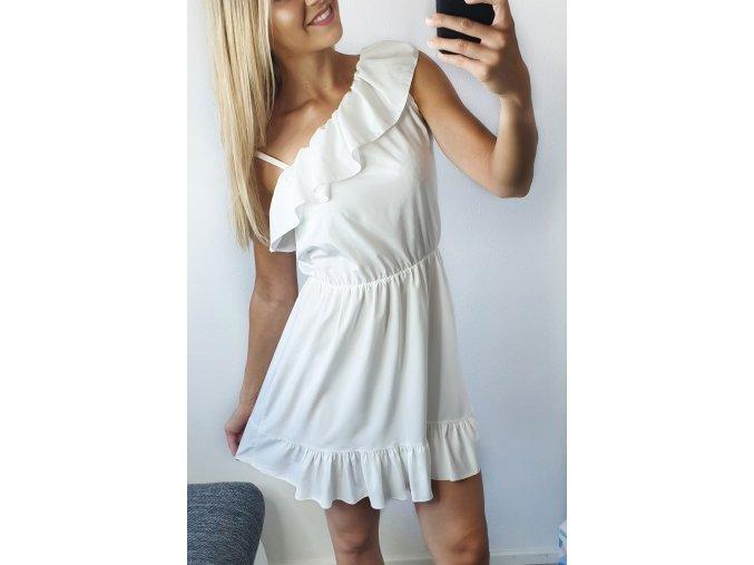 Biele volánikové elegantné asymetrické šaty