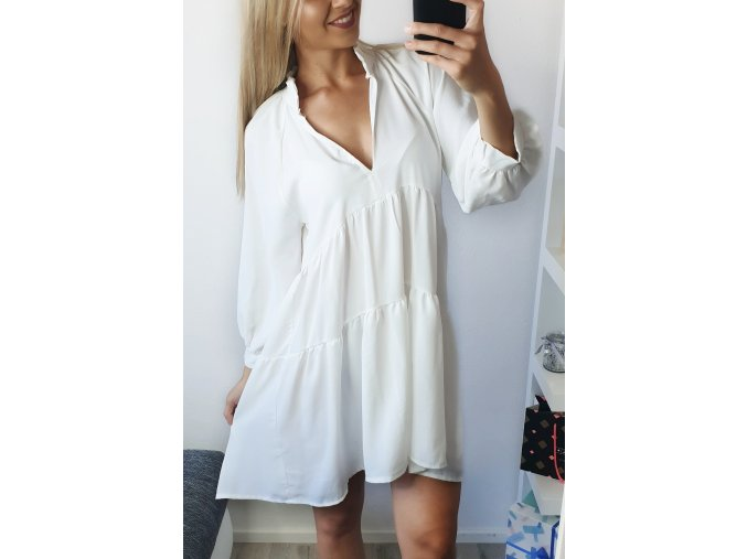 Biele voľné šaty s dlhým rukávom
