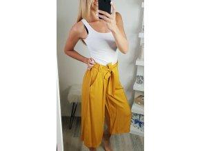 damske volne letne zlte horcicove trojstvrtove nohavice