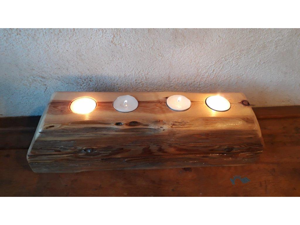 Adventní svícen trám lakovaný se 4 svíčkami