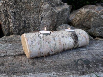 Dřevěný svícen ze stromu