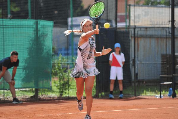 Tenisové mistrovství České republiky dospělých v režii hráčů a hráček Solinco