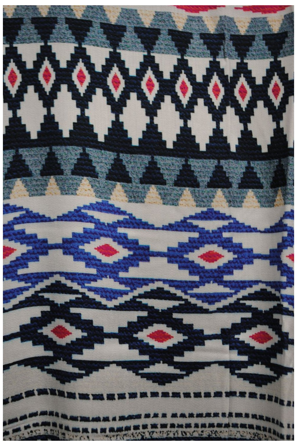 Viskózová tkanina s bordurou