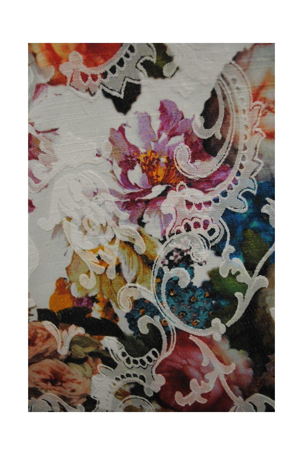 Riflovina barevný květ na bílém