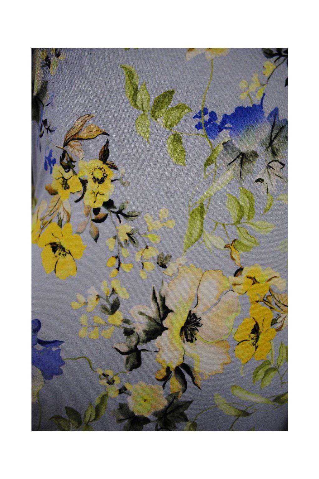 Viskózový úplet květy na světle modré