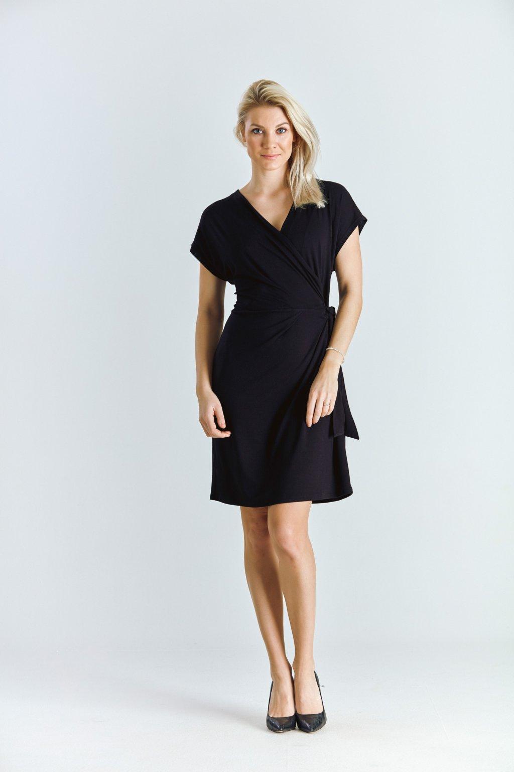 Dámské šaty se sklady černé