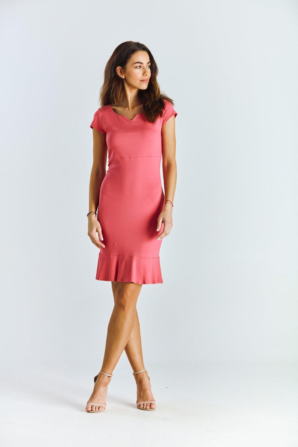 Dámské šaty s volánem malinové