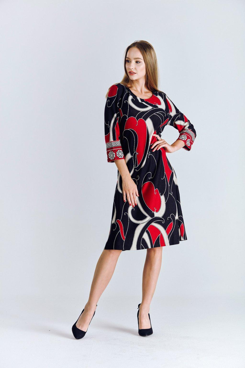 zímní dámské šaty áčkové