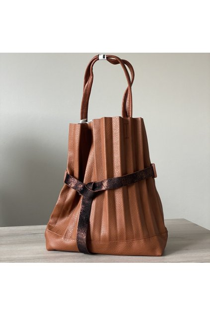 Skládaná dámská kabelka
