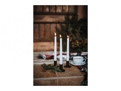 Jednoduchý svícen na kónickou svíčku