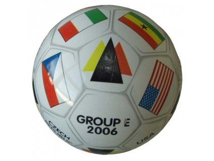 Mondo 06/001 Potištěný kopací míč GROUP - E