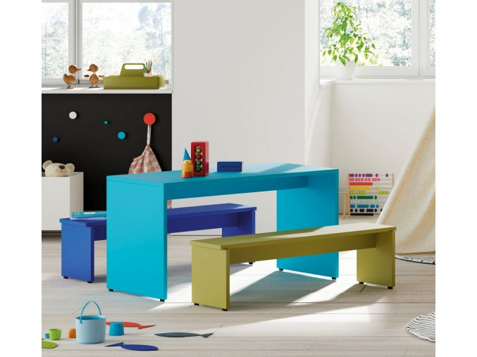 dětský stolek a lavice