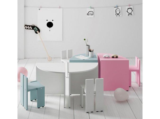 dětský stolek a židličky
