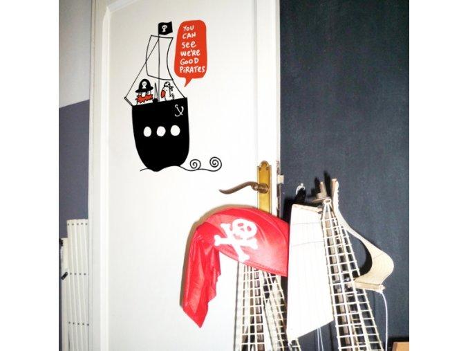 Nálepka na stěnu Správní piráti!
