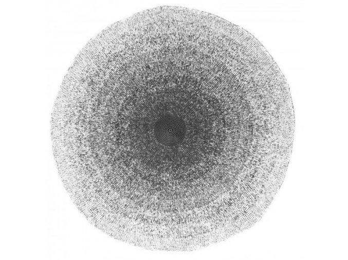 Háčkovaný černobílý polštář