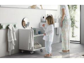 montessori skříňka s umyvadlem